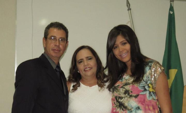 Eliana e Família na entrega da carteira oab