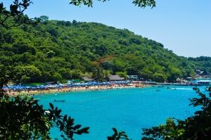 beach-roqueta-420191_1920-1